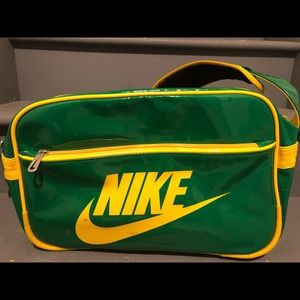 Nike Swoosh Athletic Messenger Bag
